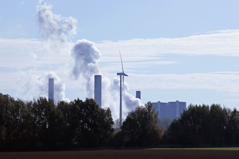China to Revise Plan for 197 Carbon Peak Standards in 10 Industries