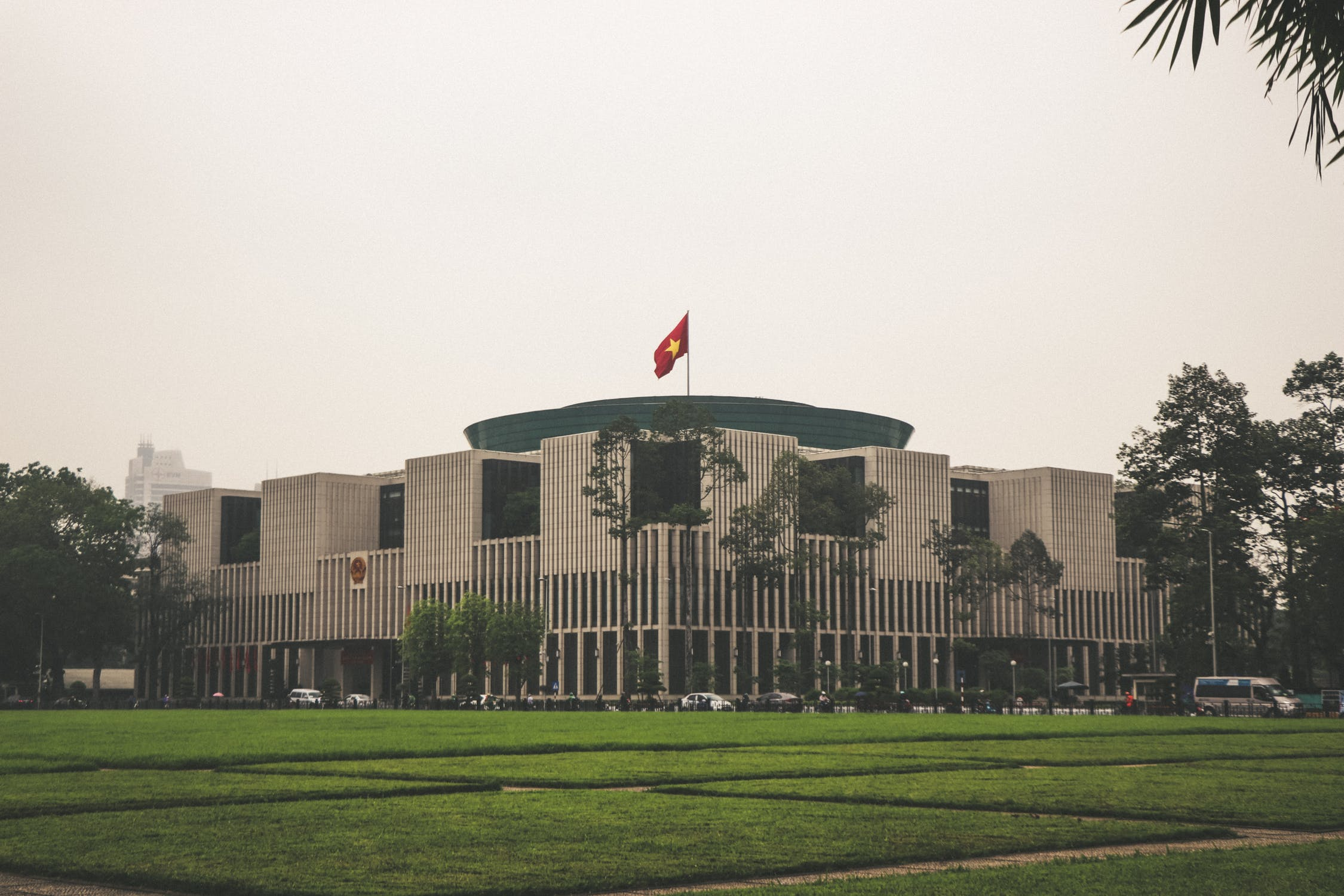 Vietnam's Draft Decree on E-commerce: Impact on Foreign Investors
